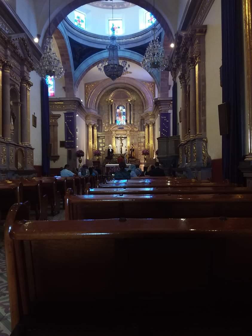 Église santa cruz à queretaro