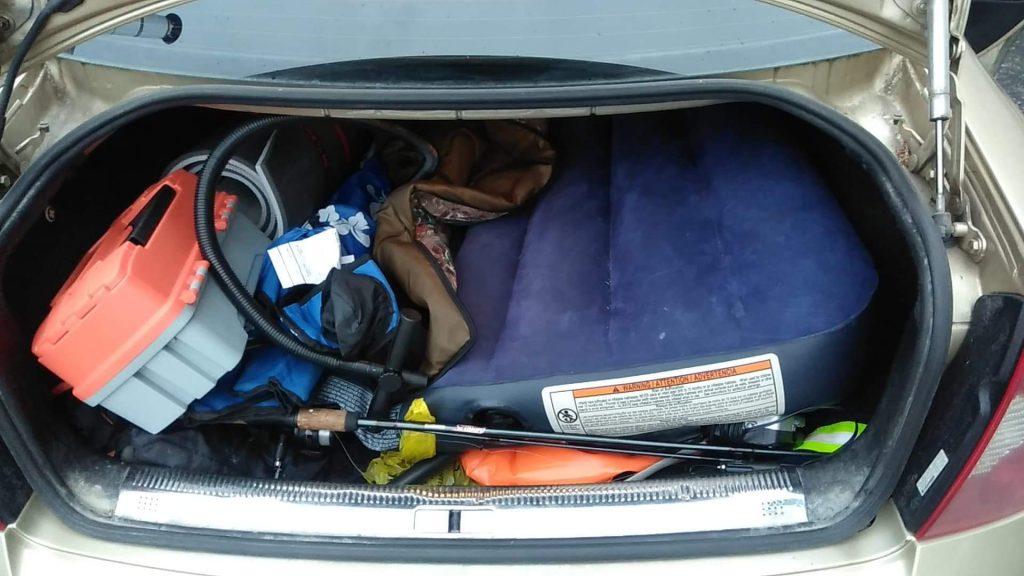 Cpin distraction vivre dans sa voiture